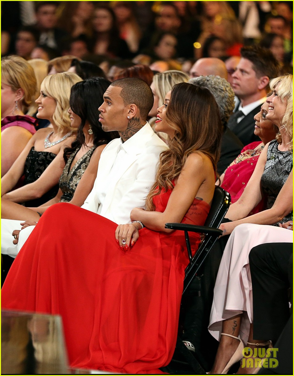 rihanna chris brown grammys 2013 seatmates pics 022809380