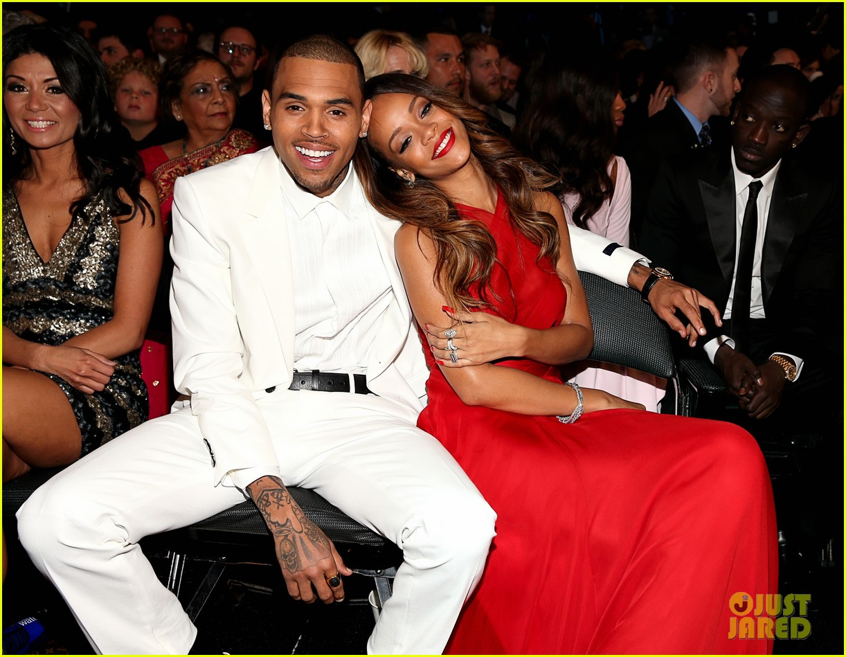 rihanna chris brown grammys 2013 seatmates pics 05