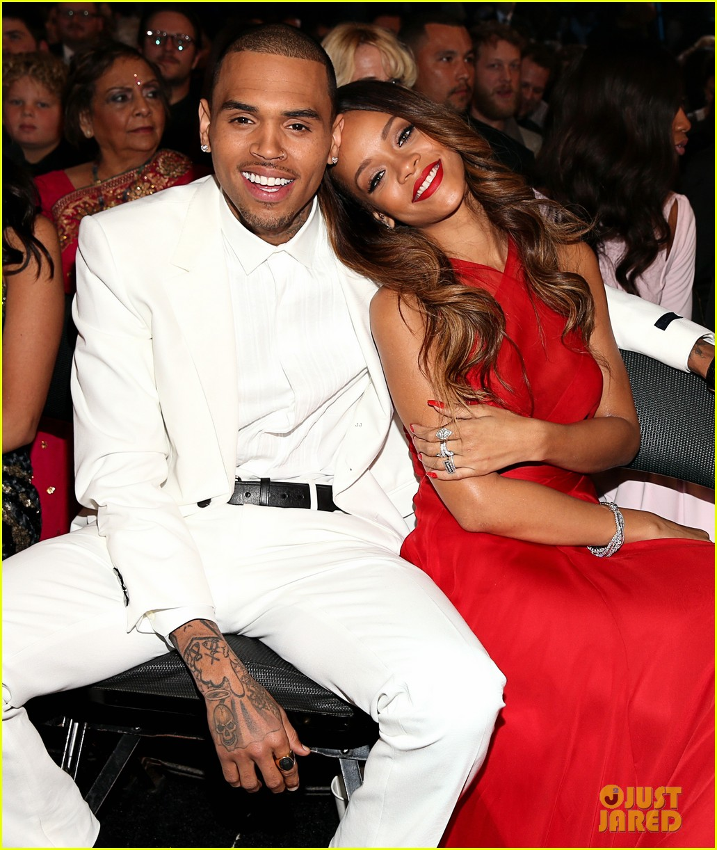 rihanna chris brown grammys 2013 seatmates pics 082809386