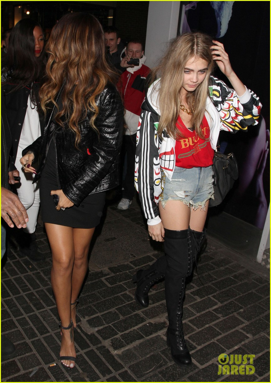 rihanna cara delevingne the box nightclub party 092813709