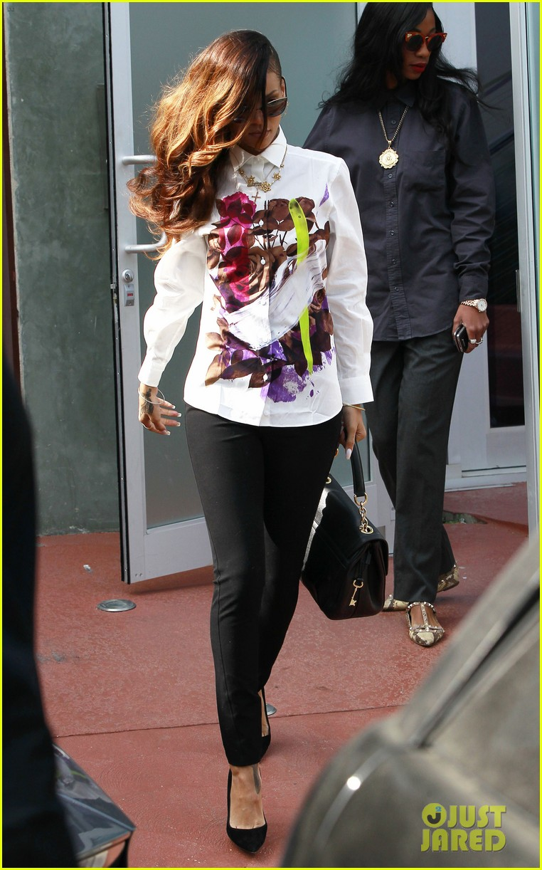 rihanna chris brown court appearance together 10