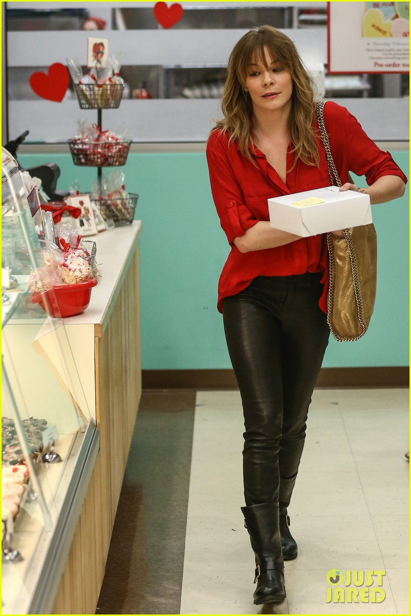 leann rimes valentines day susie cakes 01