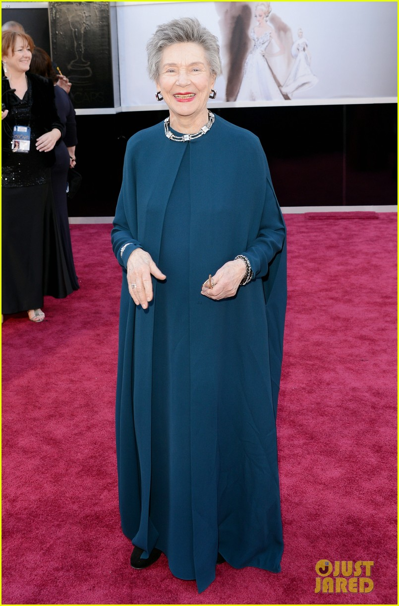 emmanuelle riva oscars 2013 red carpet 01