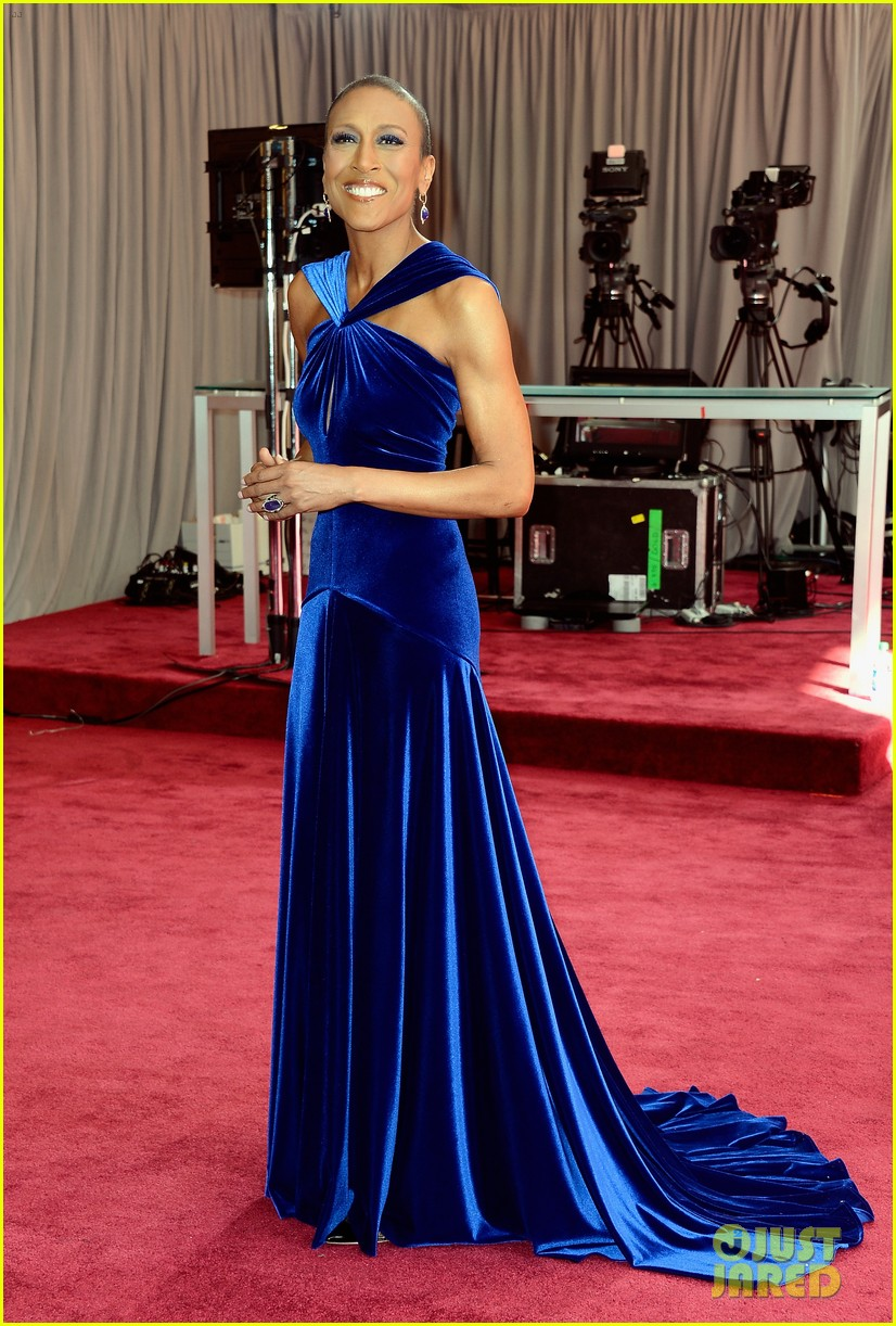 robin roberts lara spencer oscars 2013 red carpet 012818932