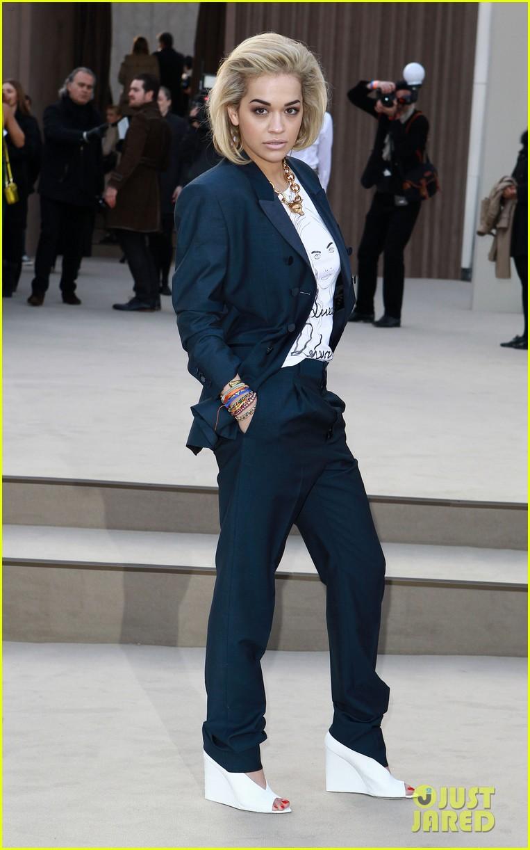 rosie huntington whiteley freida pinto burberry fashion show 032814514