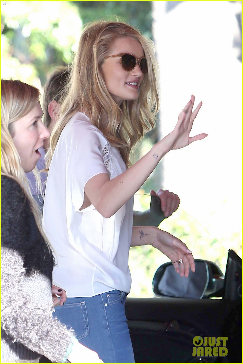 rosie huntington whiteley topless in cher coulter jeans 022812470