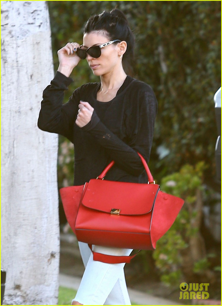 liberty ross dentist check up in los angeles 012822304