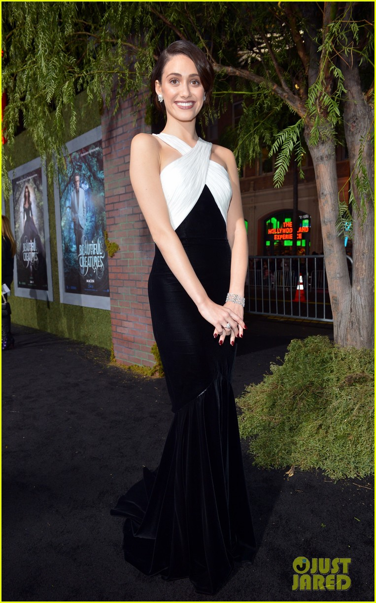 emmy rossum alice englert beautiful creatures premiere 012806135