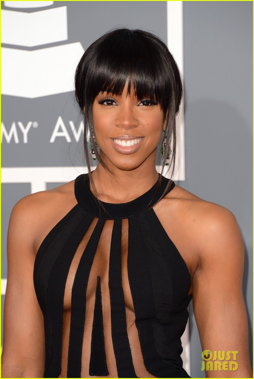kelly rowland grammy awards 2013 red carpet 022809349