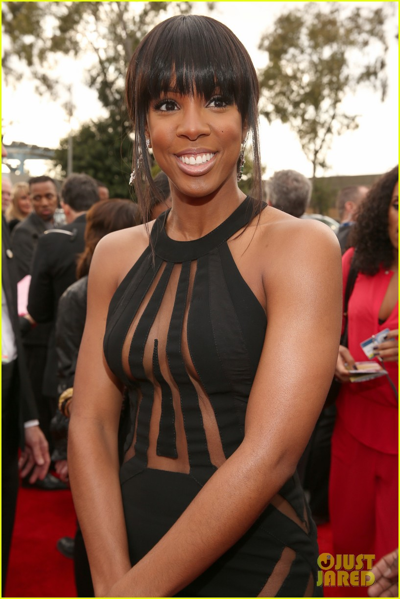 kelly rowland grammy awards 2013 red carpet 042809351