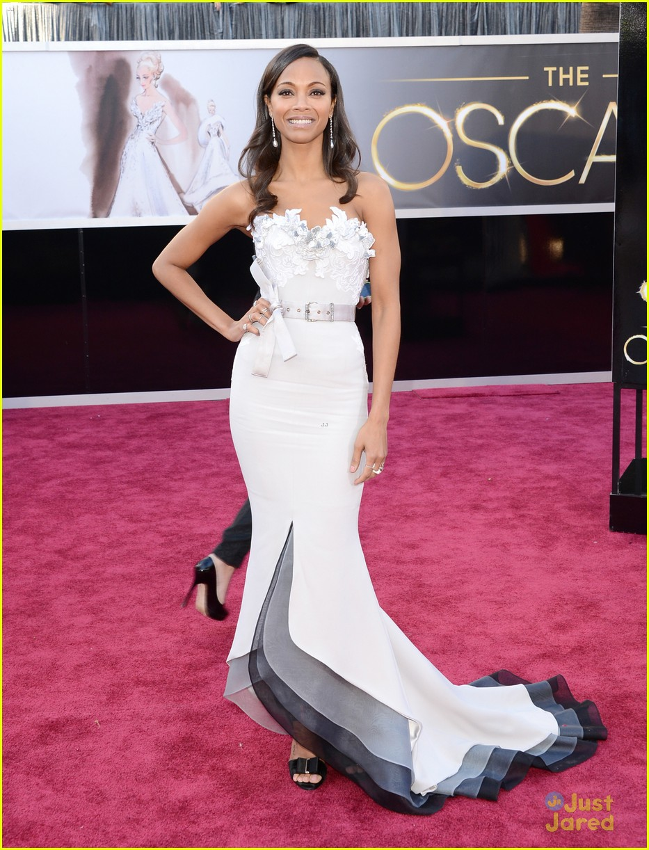zoe saldana oscars 2013 red carpet 06