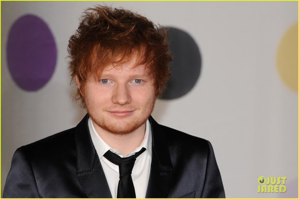 ed sheeran conor maynard brit awards 2013 red carpet 072815851