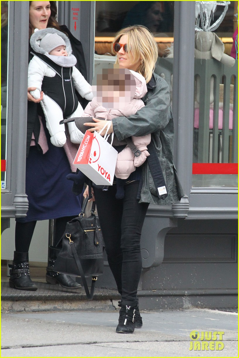 sienna miller west village shopping with robin wright 052821224