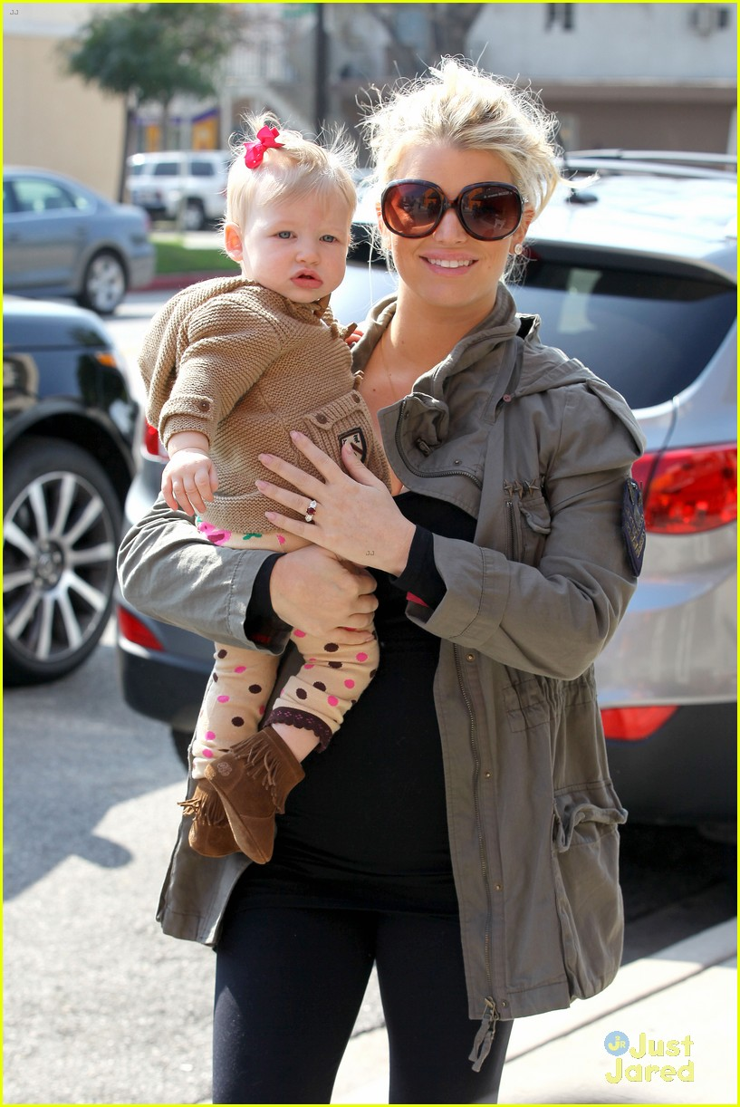 jessica simpson don cuco lunch with baby maxwell 022814658