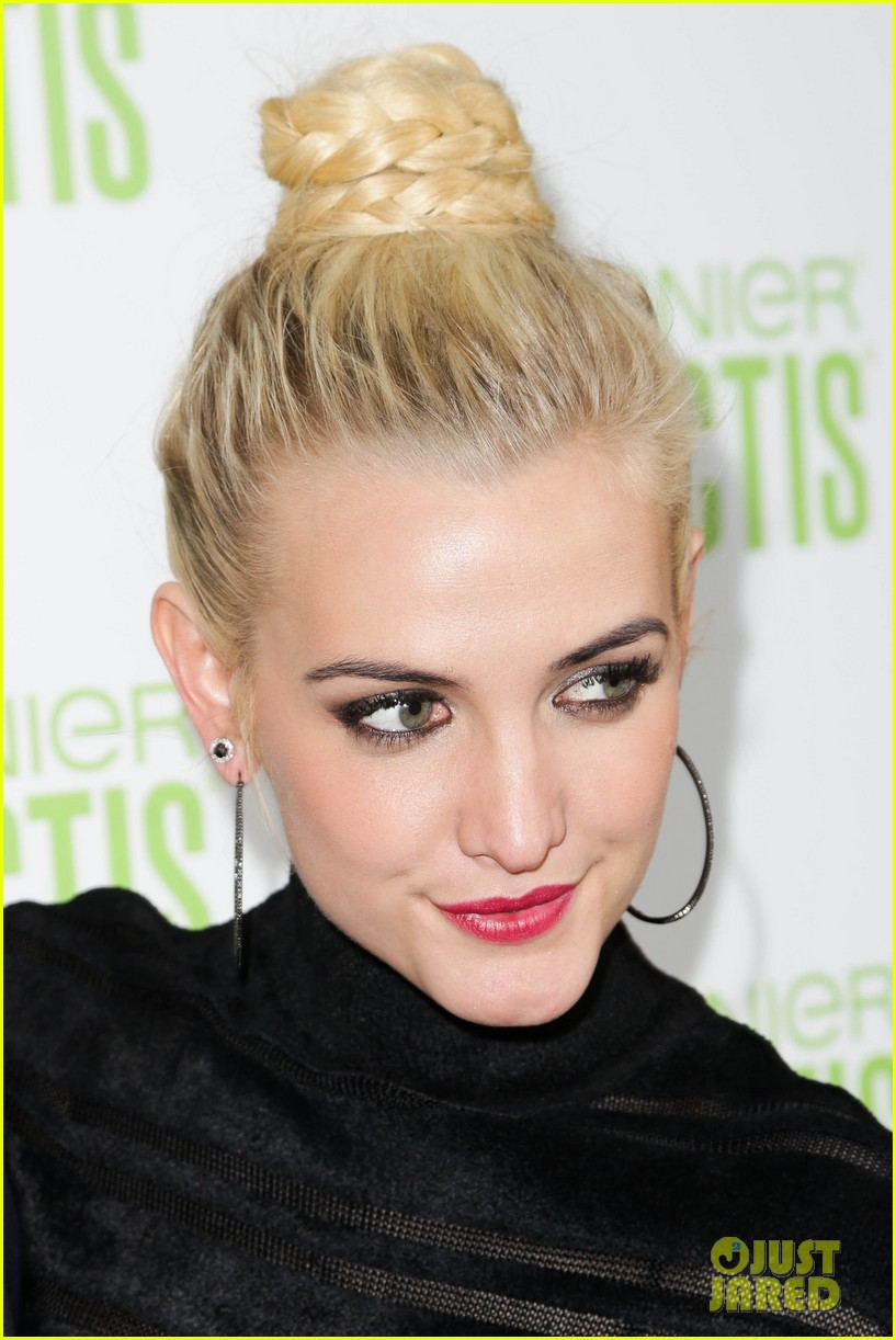 ashlee simpson garnier fructis fashion week celebration 232807166