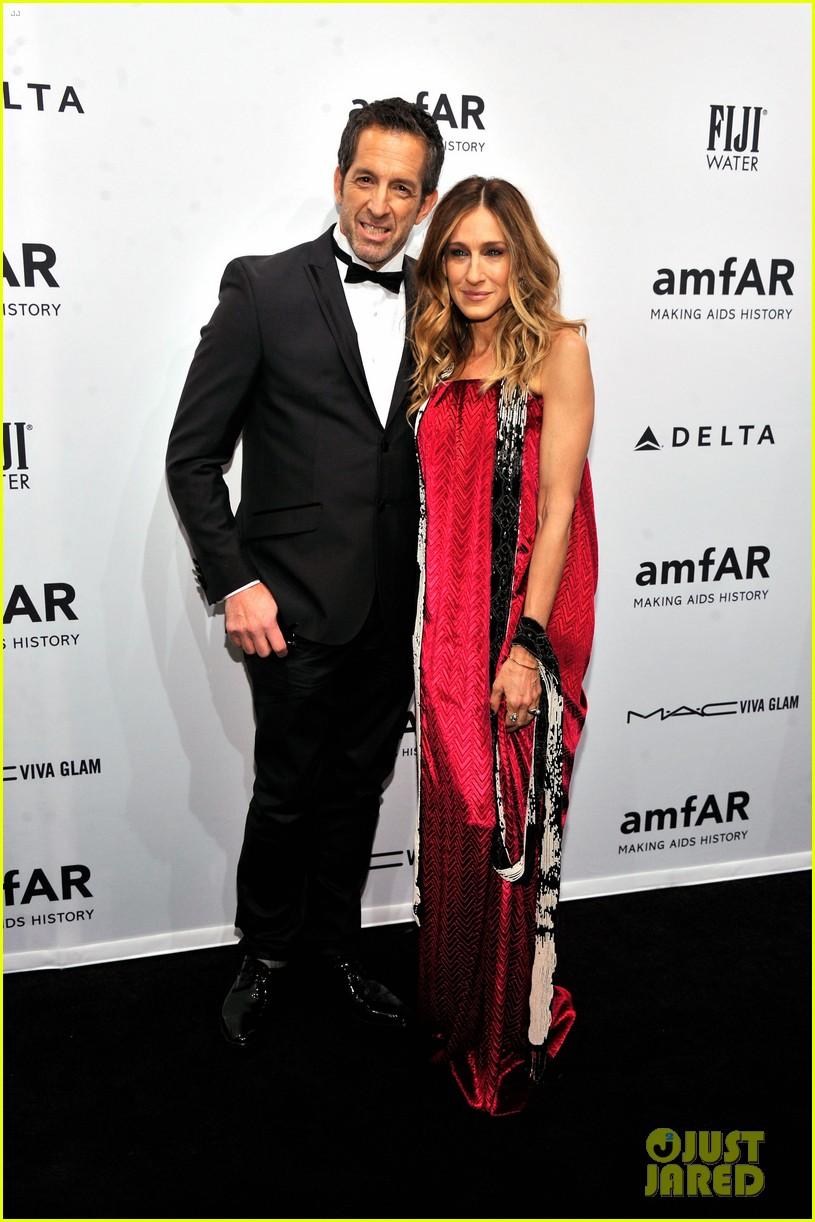 sarah jessica parker amfar new york gala 2013 02