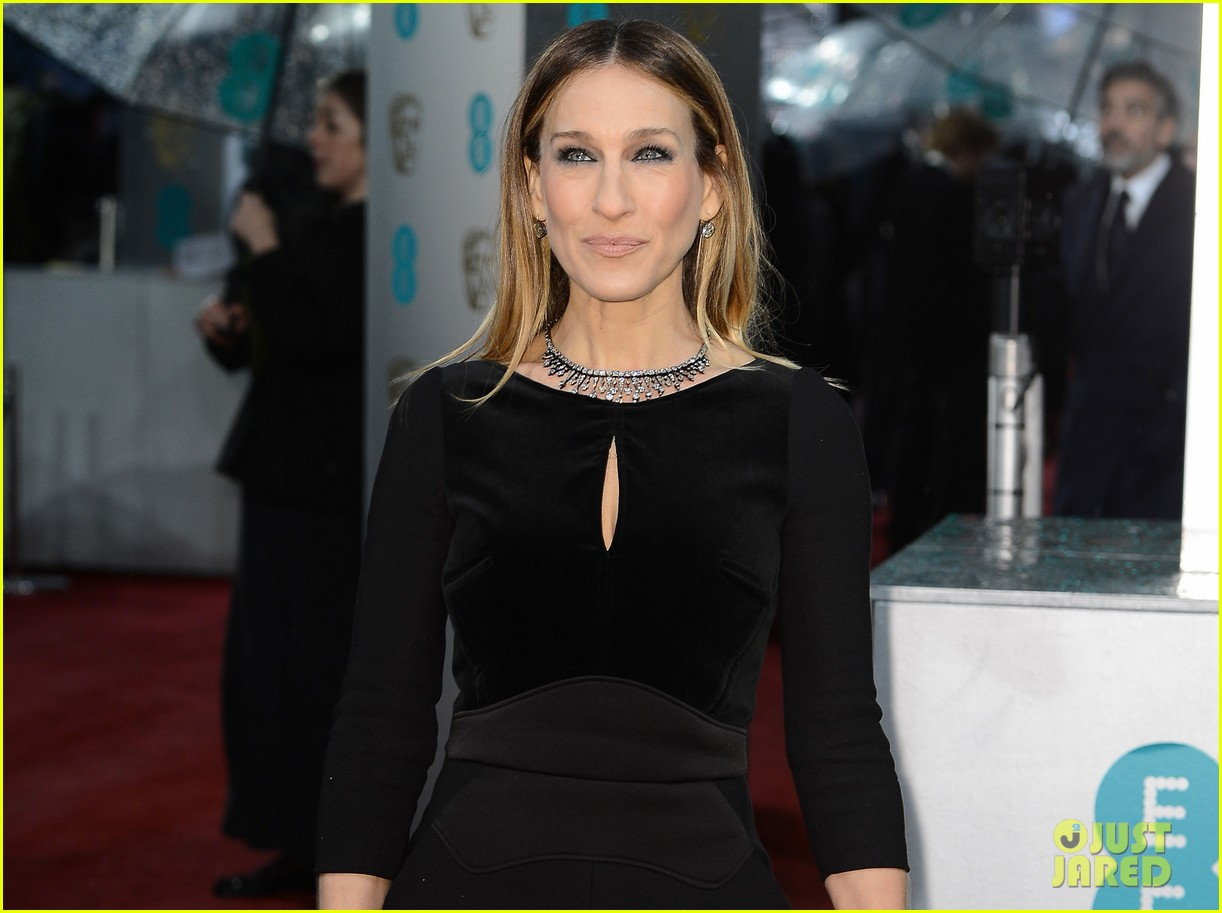sarah jessica parker baftas 2013 red carpet 022808875