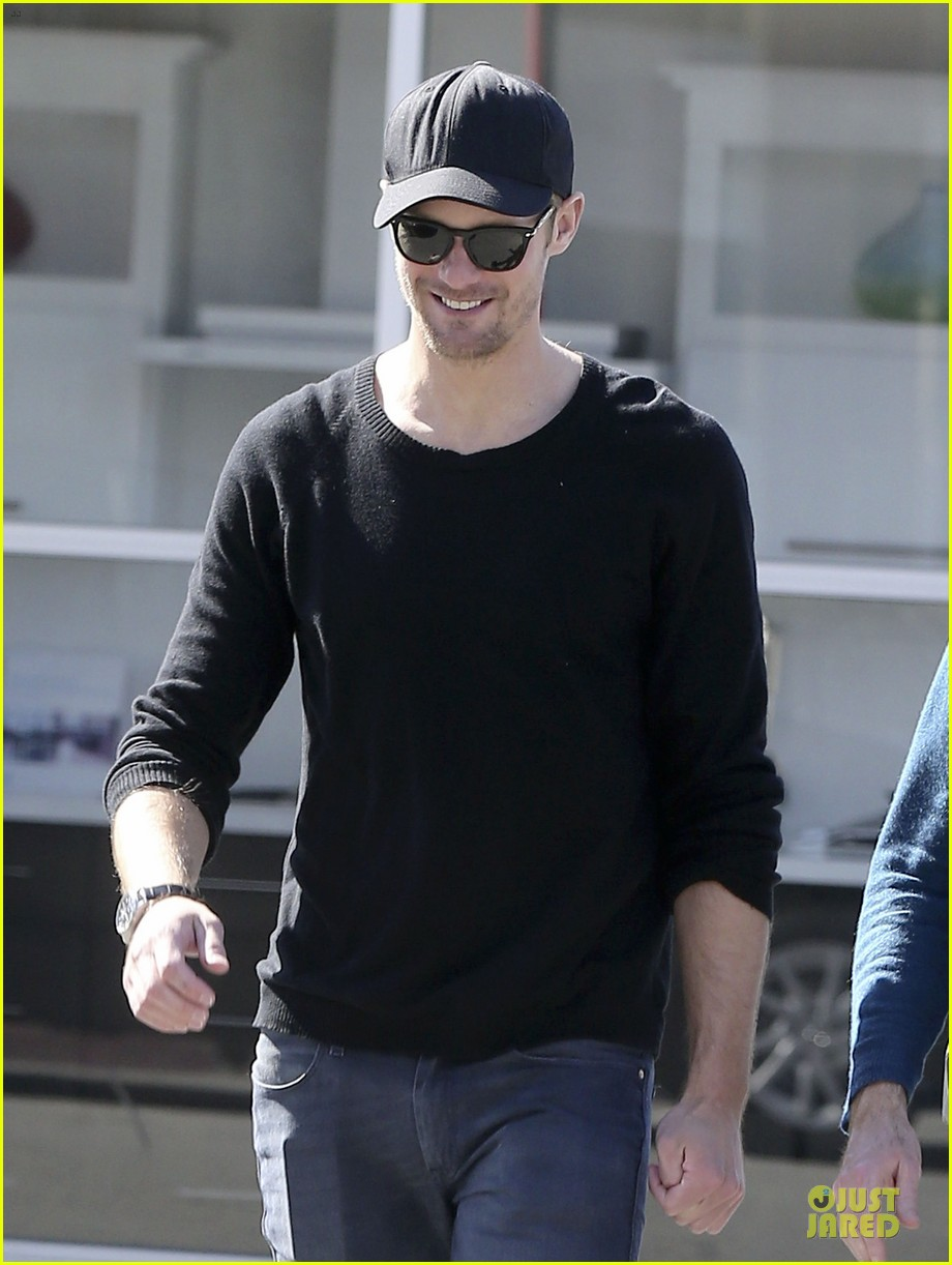 alexander skarsgard hollywood house hunting 08