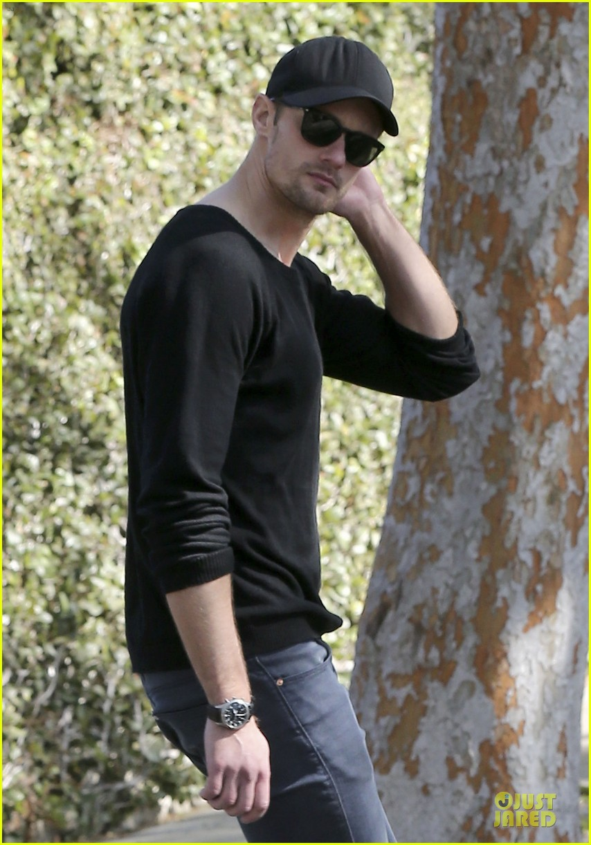 alexander skarsgard hollywood house hunting 13