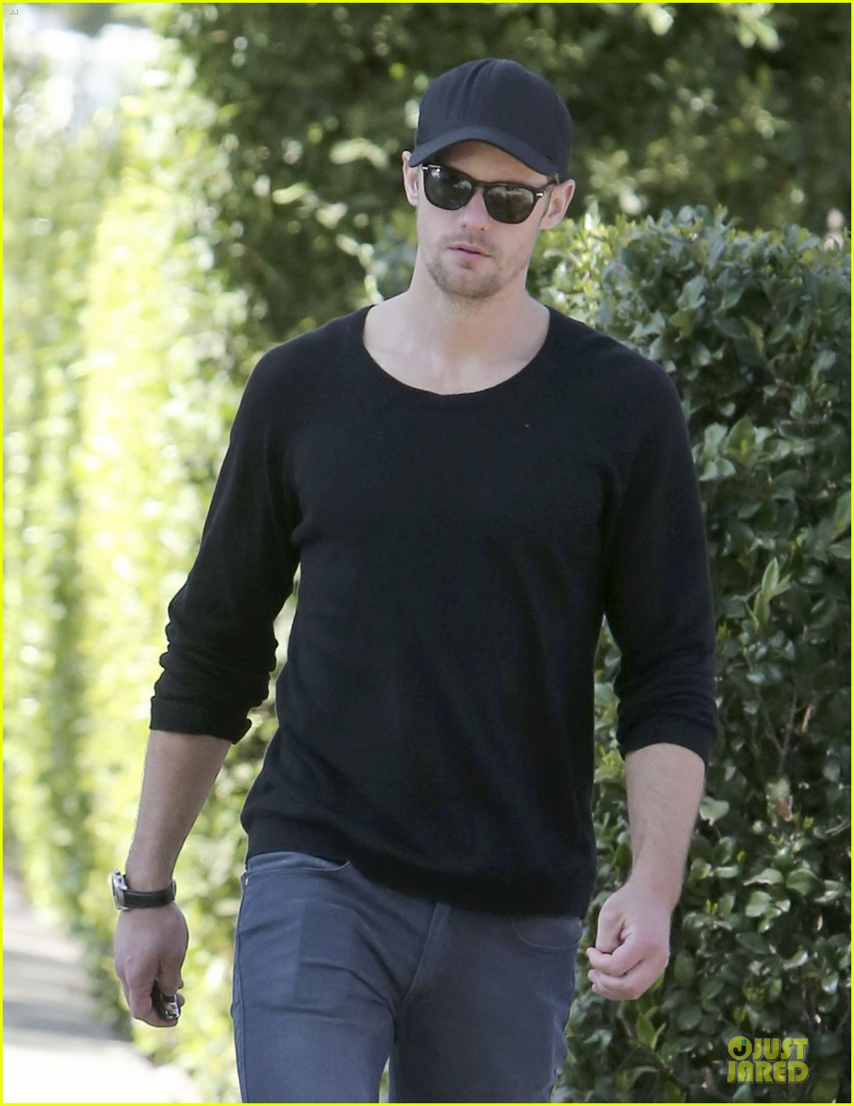 alexander skarsgard hollywood house hunting 162817342