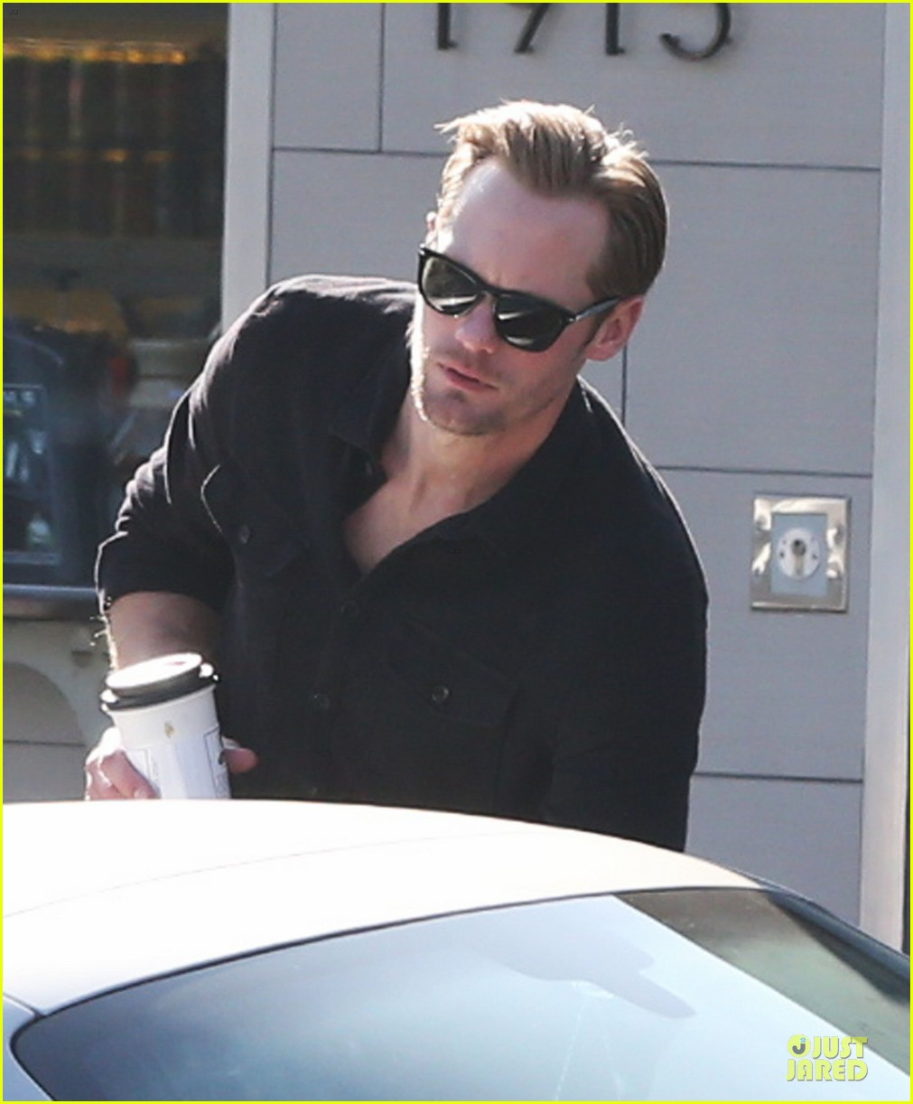 alexander skarsgard post super bowl lunch in los feliz 12