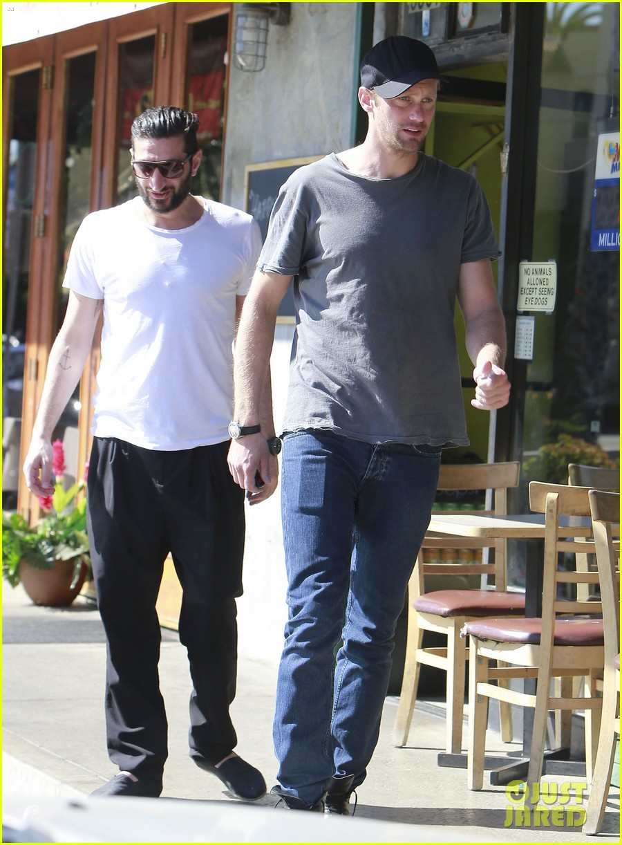 alexander skarsgard thursday lunch with a pal 052822475