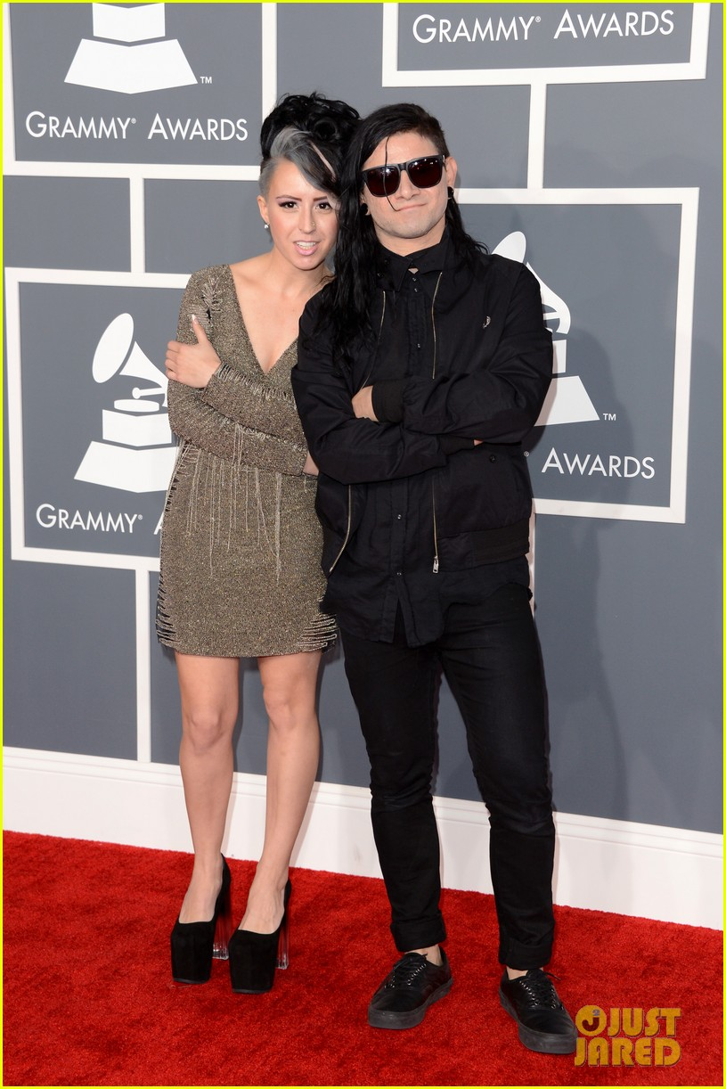 skrillex diplo grammys 2013 red carpet 062809076