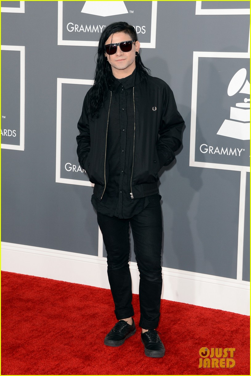 skrillex diplo grammys 2013 red carpet 07