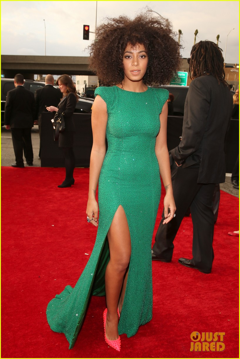 solange knowles grammys 2013 red carpet 012809397