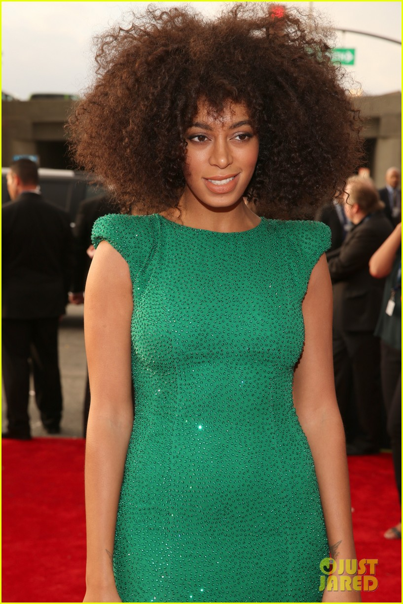 solange knowles grammys 2013 red carpet 022809398