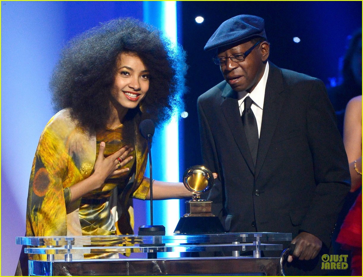 esperanza spalding grammys 2013 red carpet 072809266