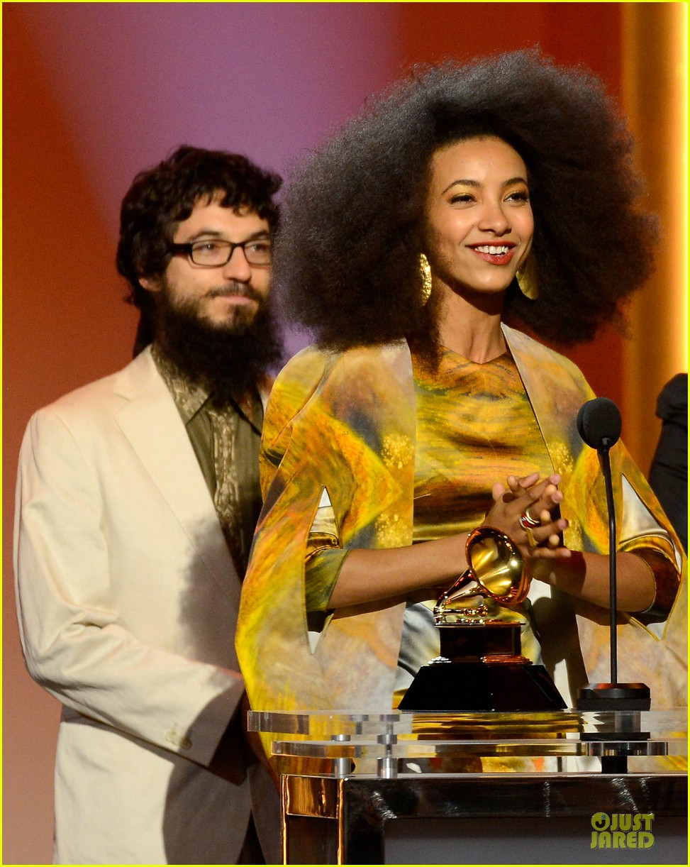 esperanza spalding grammys 2013 red carpet 092809268