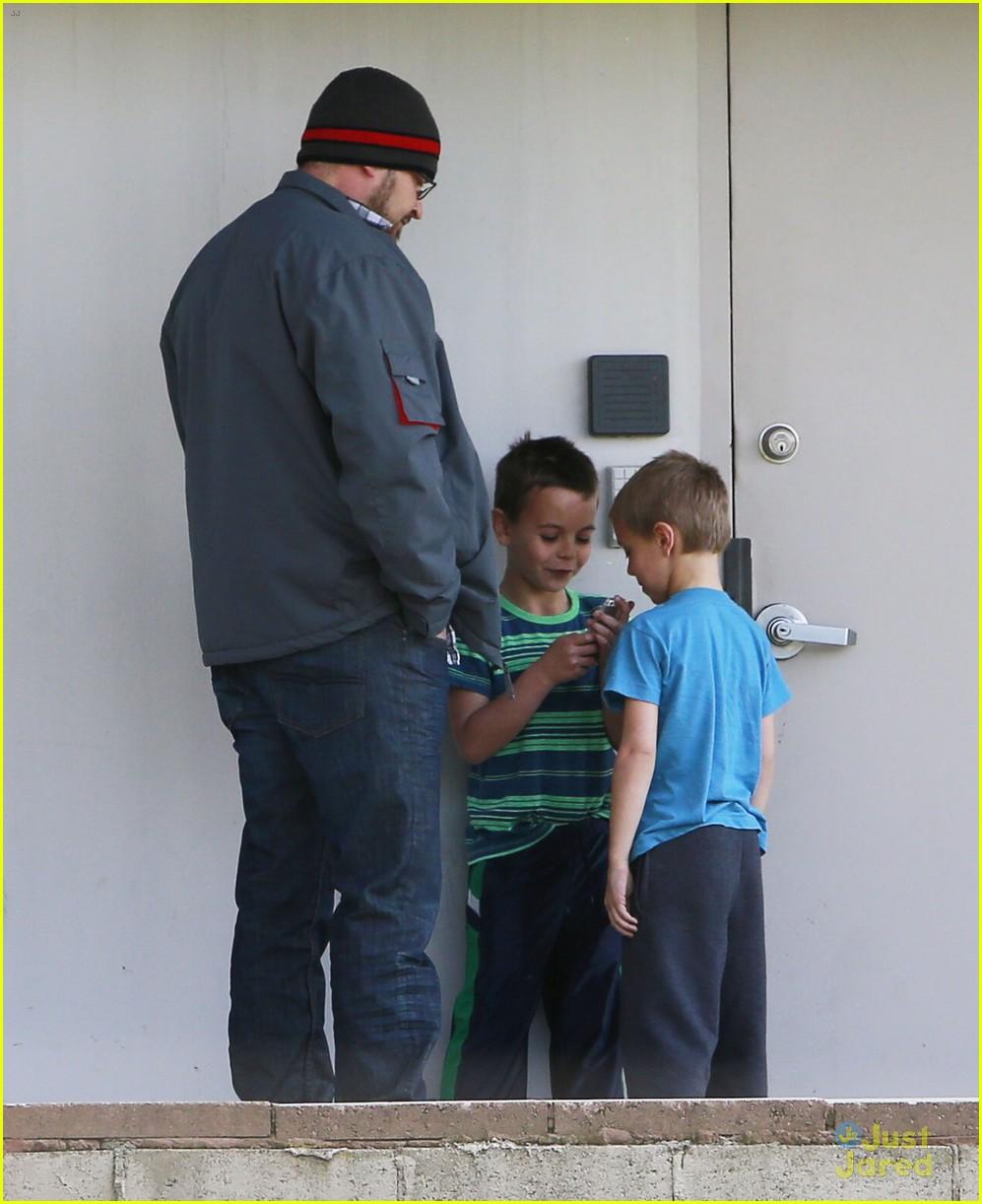 britney spears animal hospital with hannah and the boys 022814710