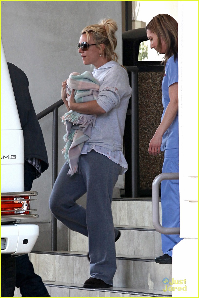 britney spears animal hospital with hannah and the boys 262814734