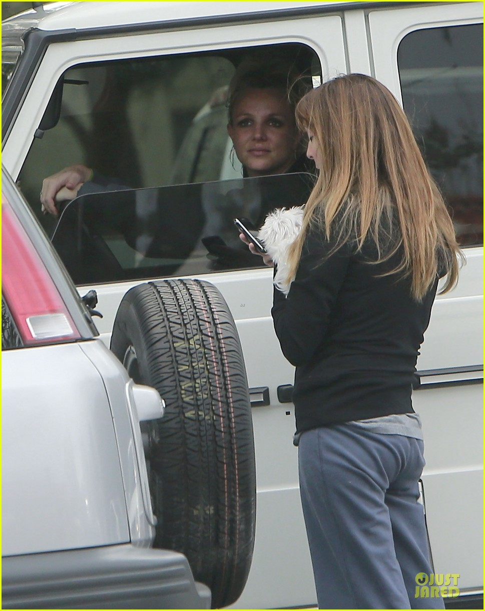 britney spears say good morning to my new baby 102808121