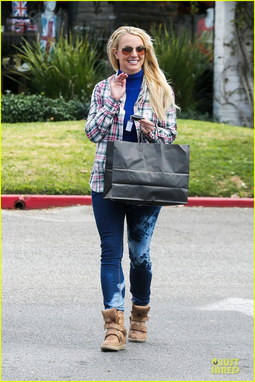 britney spears say good morning to my new baby 112808122