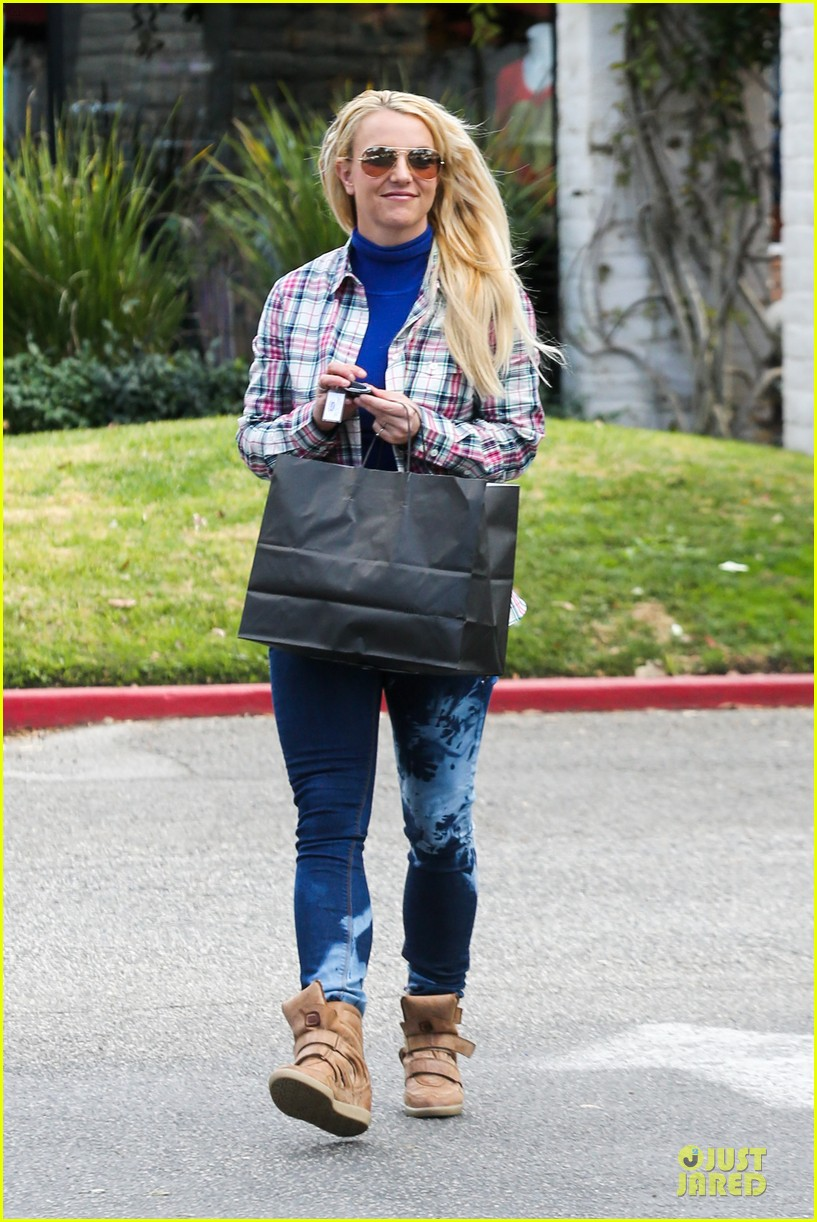 britney spears say good morning to my new baby 132808124