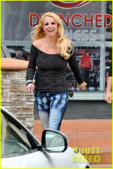 britney spears solo spa day 06