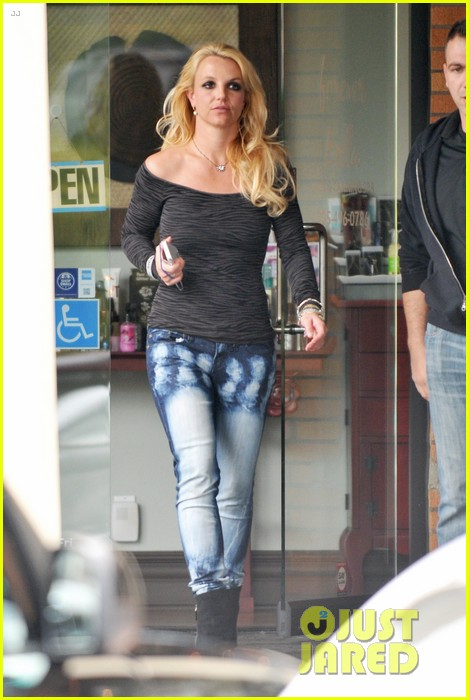 britney spears solo spa day 082809127