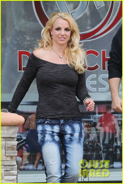 britney spears solo spa day 152809134
