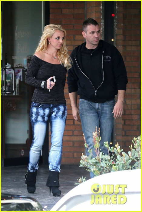 britney spears solo spa day 162809135