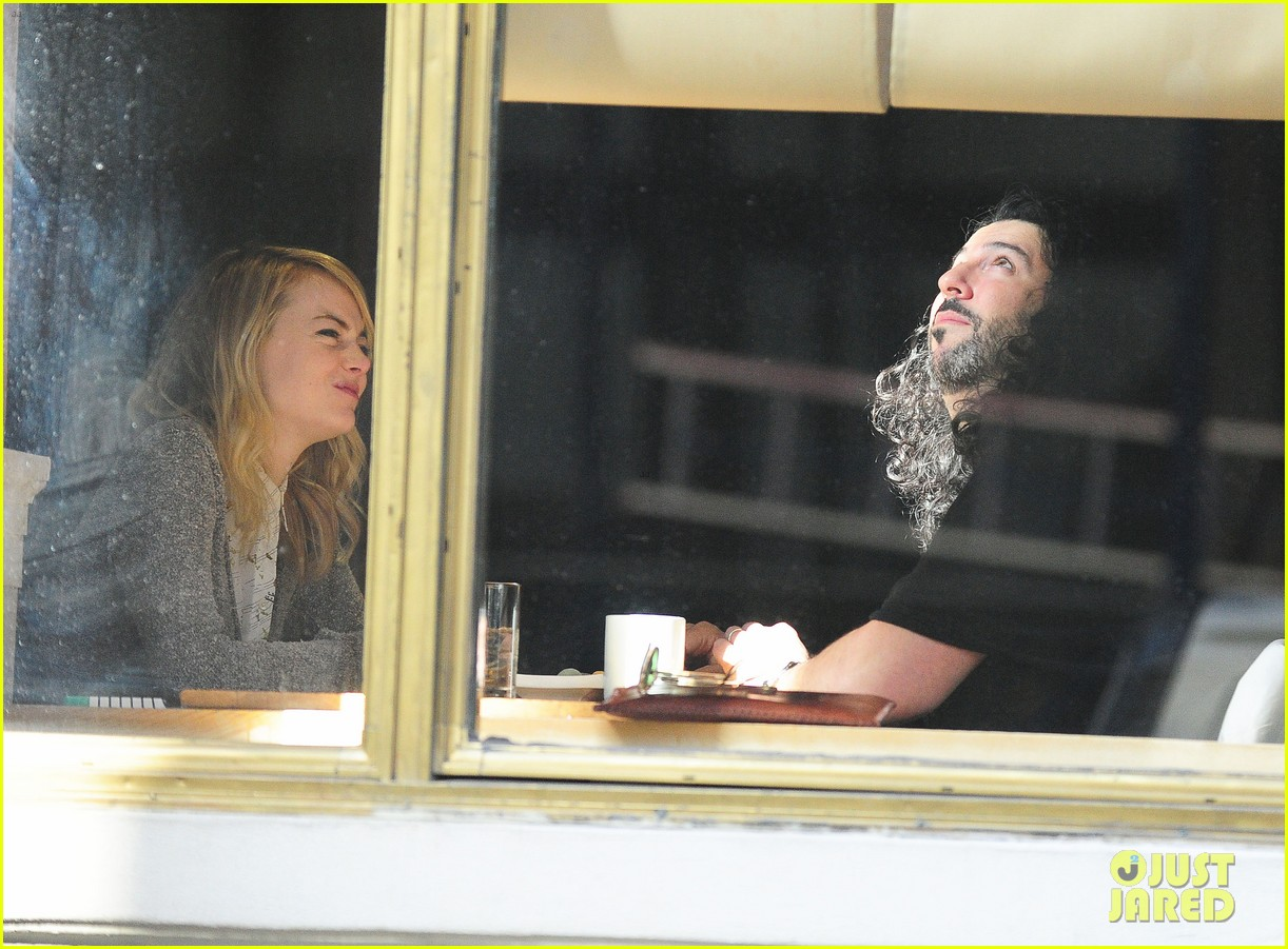 emma stone tribeca lunch with a mystery male 102816668