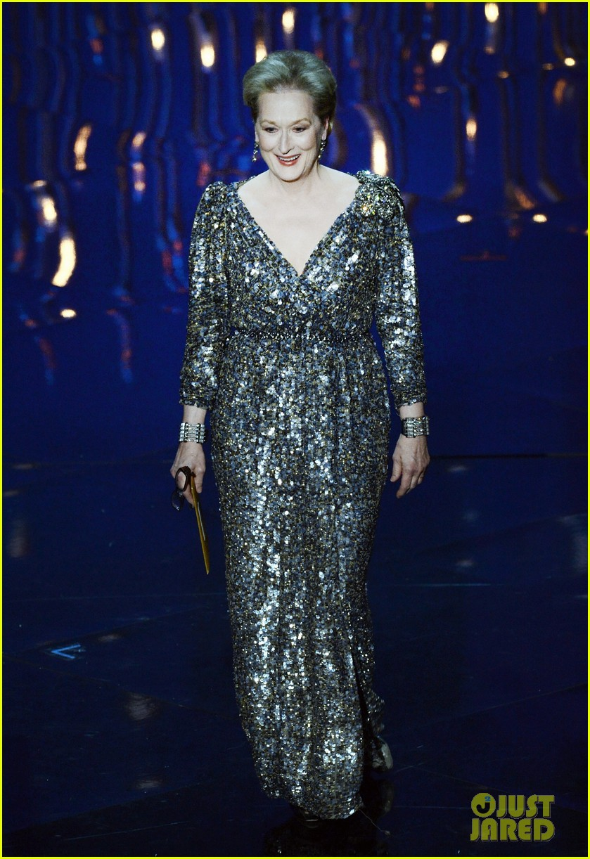 meryl streep oscars 2013 best actor presenter 01