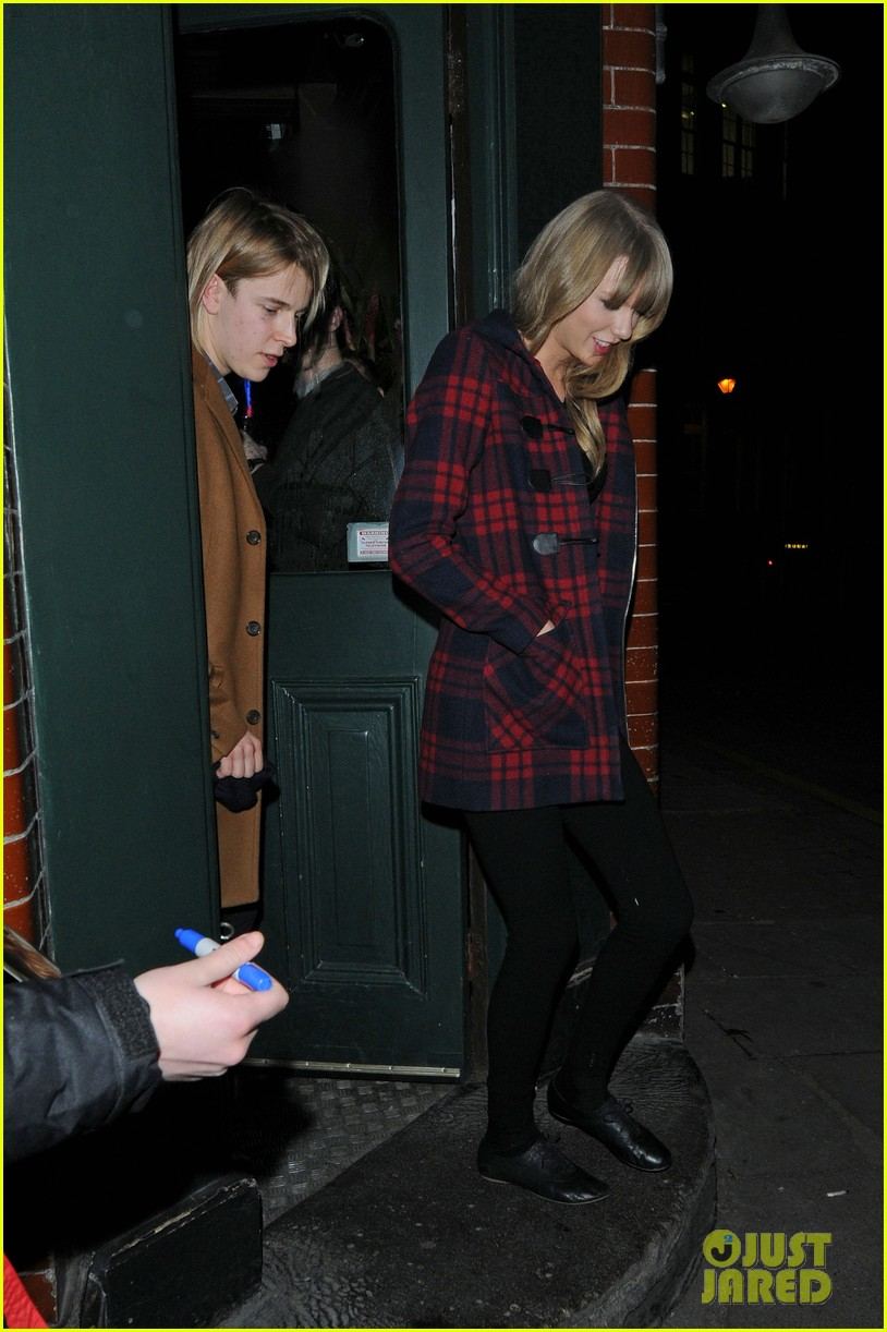 taylor swift london night out with tom odell 032816651