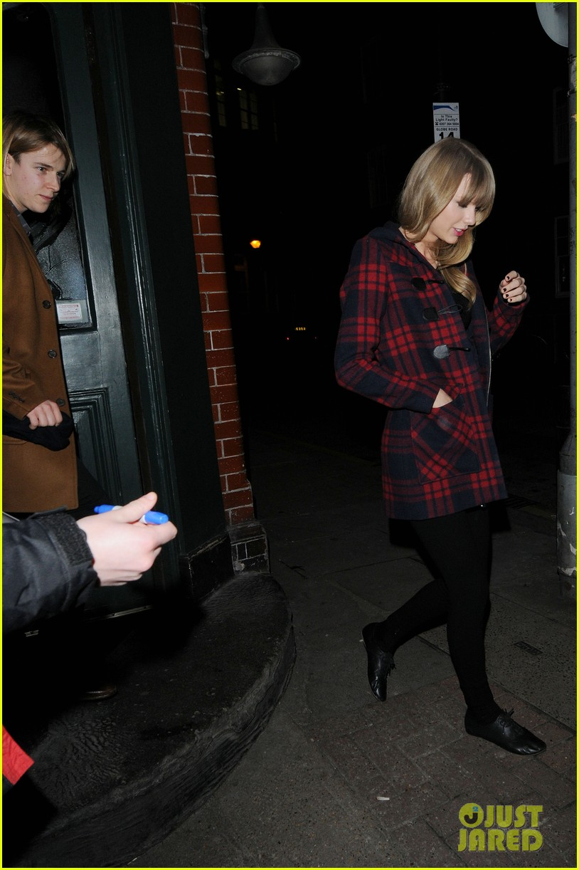 taylor swift london night out with tom odell 082816656