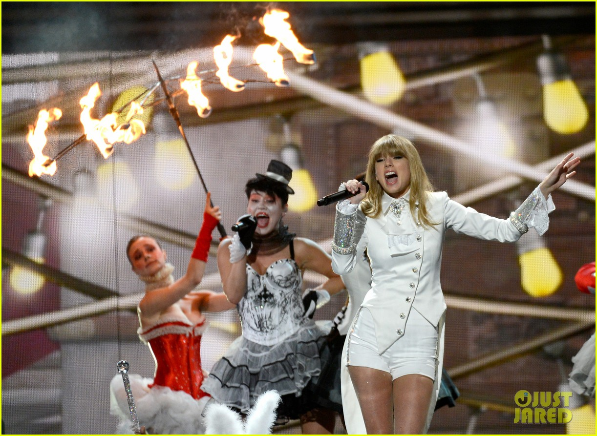 taylor swift grammys 2013 performance watch now 022809364