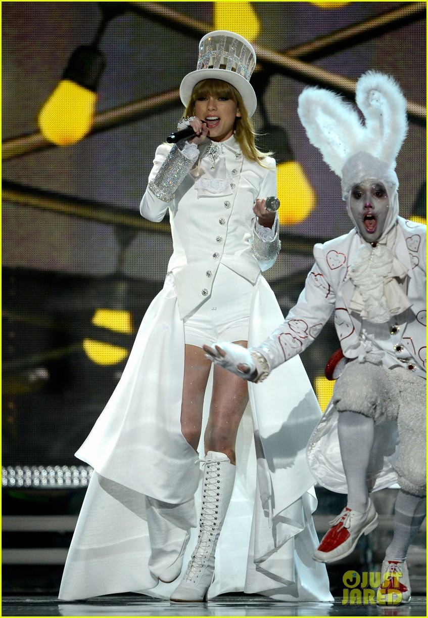 taylor swift grammys 2013 performance watch now 032809365