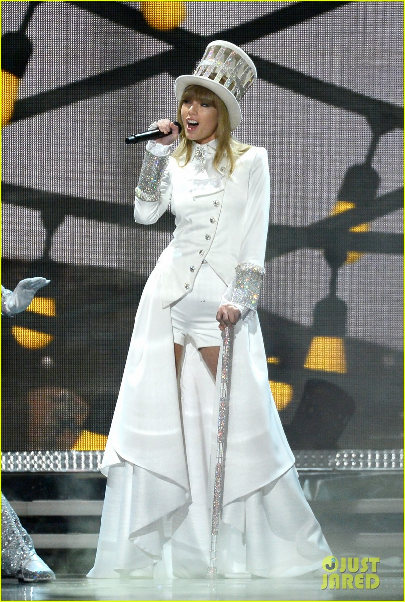 taylor swift grammys 2013 performance watch now 052809367