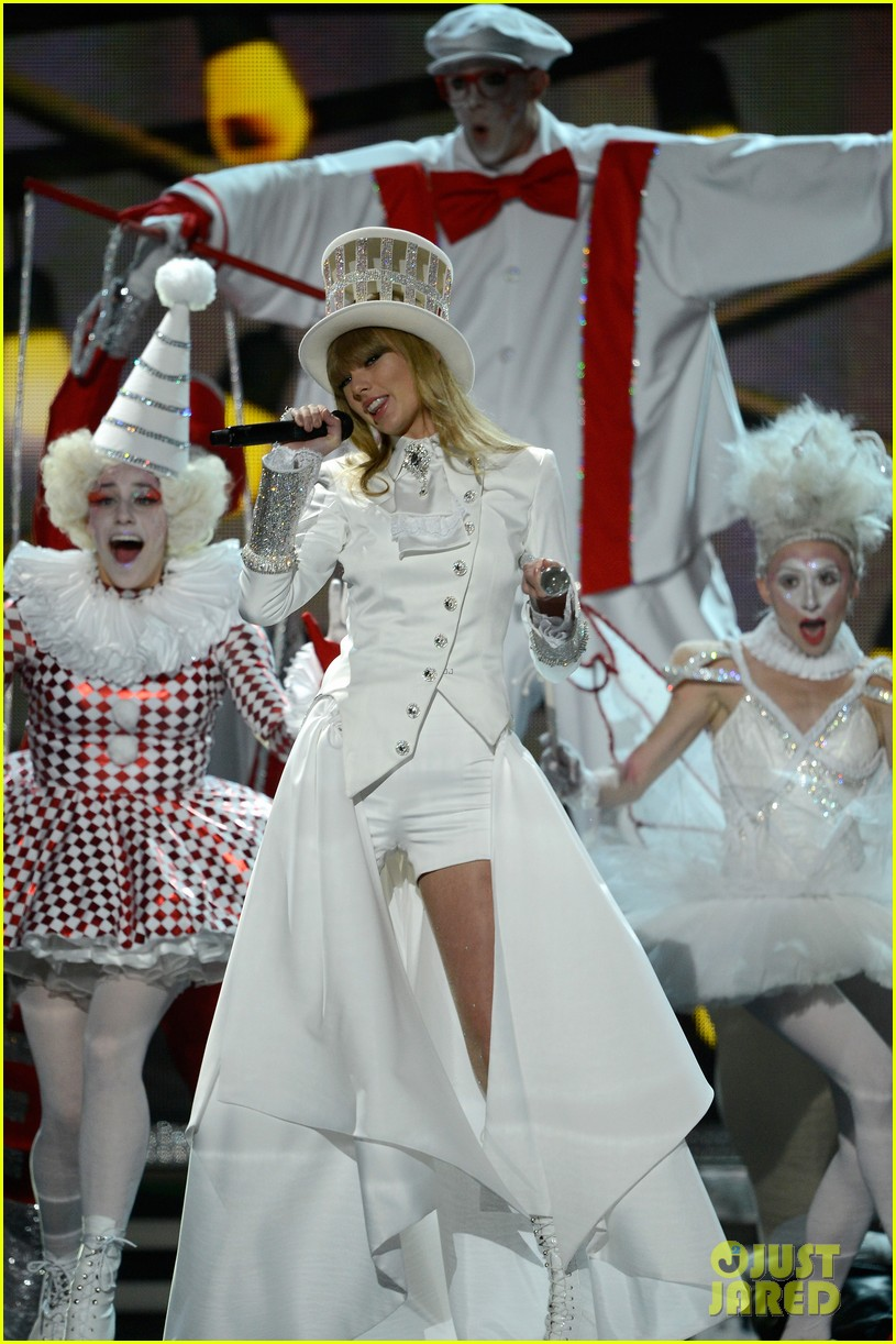 taylor swift grammys 2013 performance watch now 072809369