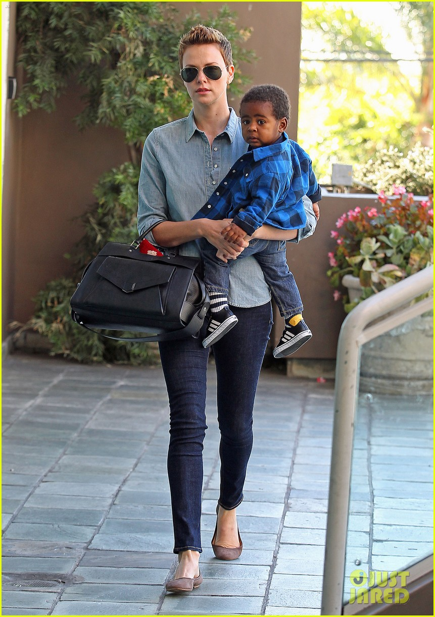 charlize theron fit for kids with jackson 072811222